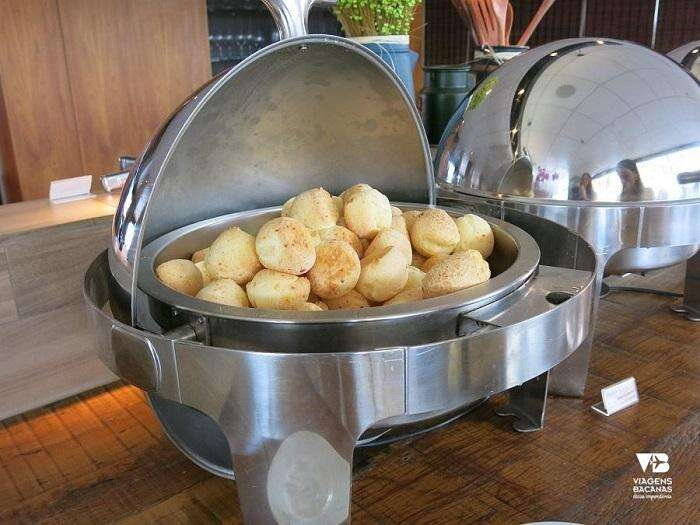 Pão de queijo quentinho