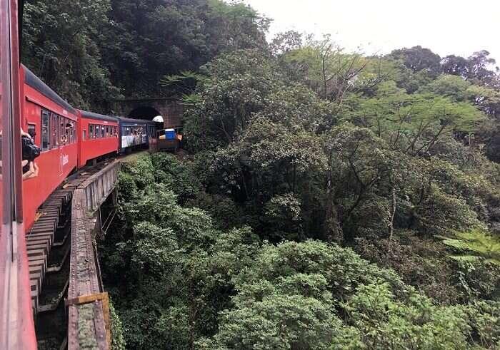 Percurso de trem de Morretes a Curitiba