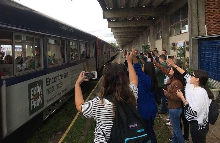 Ritual de dar tchau na Rodoferroviária de Curitiba