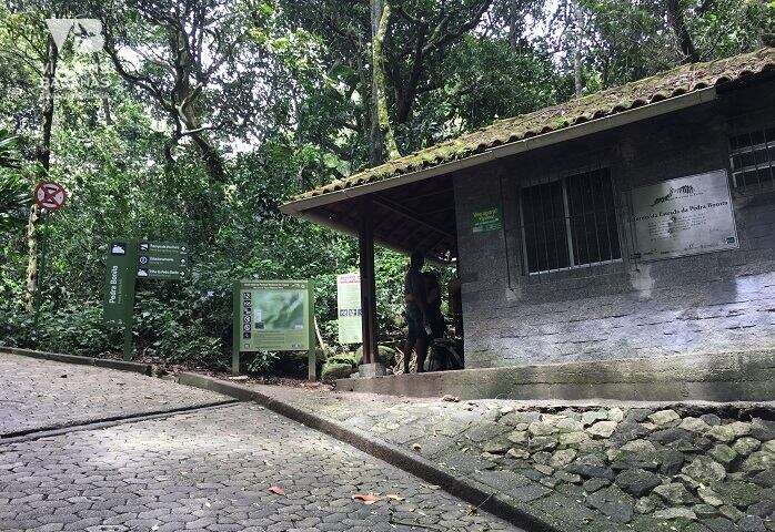 Casinha onde começa a trilha para a Pedra Bonita - Viagens Bacanas