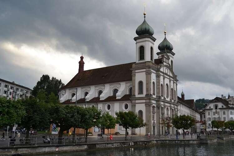 Igreja dos Jesuítas em Lucerna - Viagens Bacanas