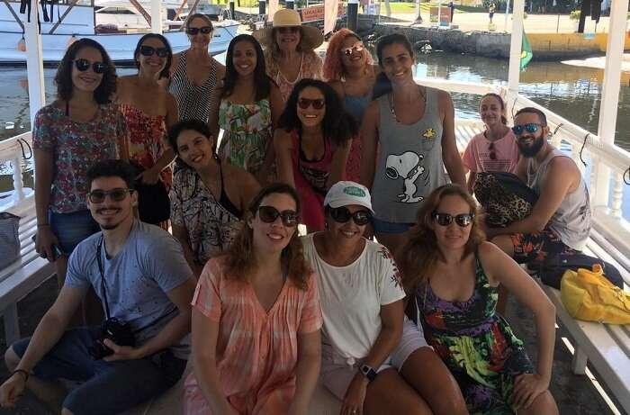 Grupo de blogueiros de viagem no passeio às Ilhas Cagarras