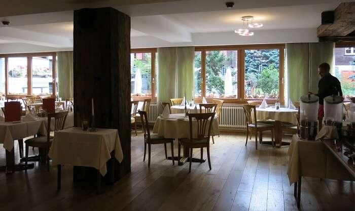 Restaurante do Hotel Bristol em Zermatt - Viagens Bacanas