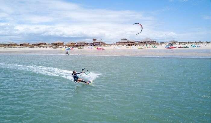 Kitesurf no Jaguaribe Lodge em Fortim