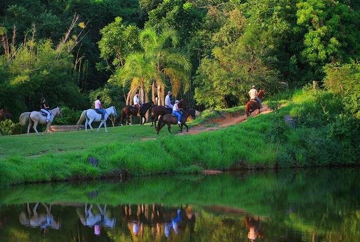 Cavalgada na Fazenda Capoava - Viagens Bacanas - Foto divulgação