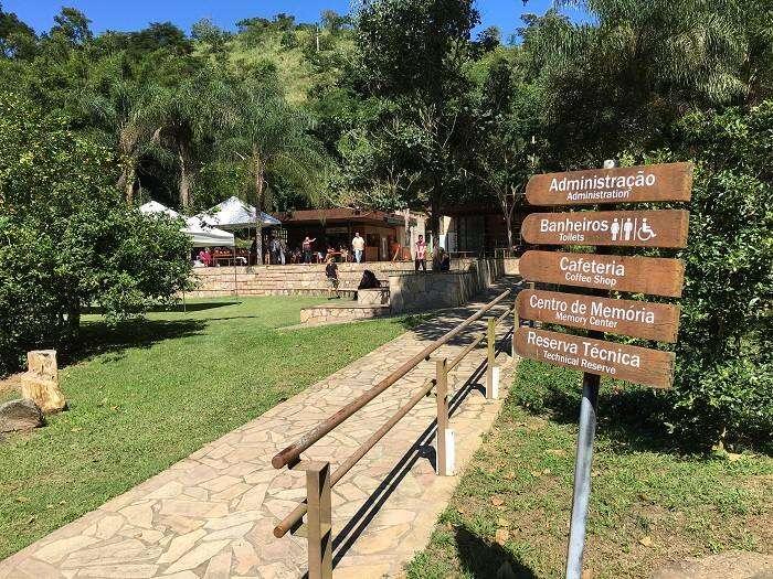 Entrada do Parque Arqueológico e Ambiental de São João Marcos