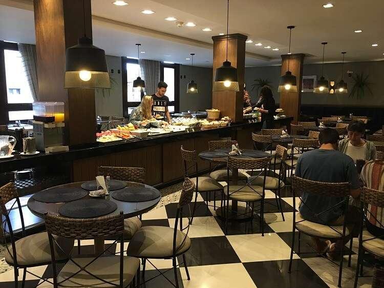 Restaurante do café da manhã do Hotel Serra Nevada