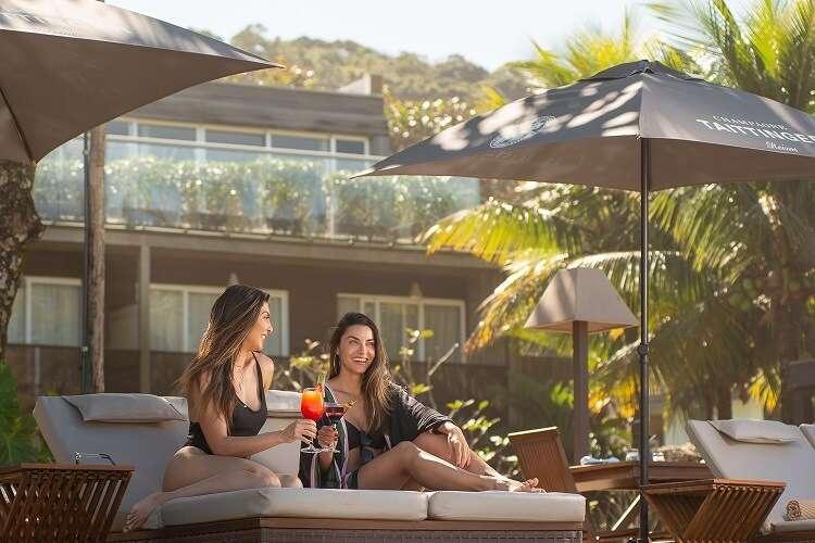 Piscina e Solarium do Hotel Nau Royal - foto divulgação