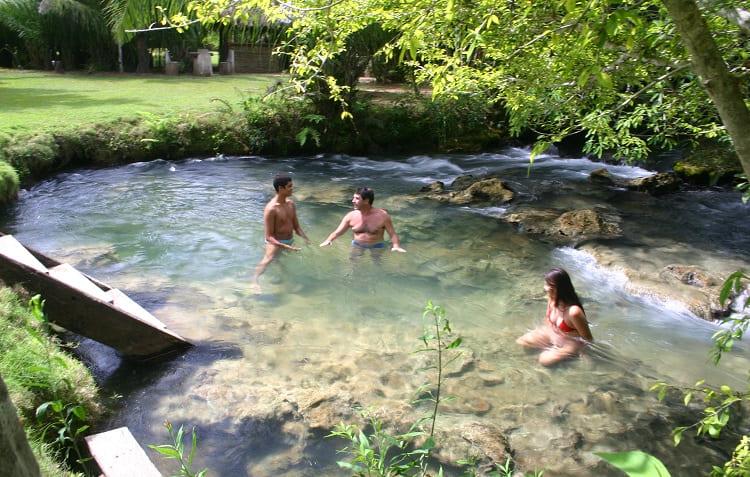 Piscina natural do Hotel Santa Esmeralda em Bonito - Viagens Bacanas
