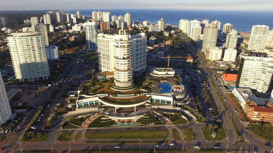 Vista aérea de Punta del Este - Viagens Bacanas