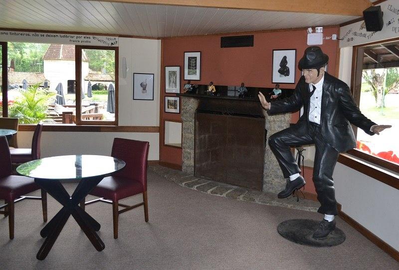 Cabaret Voltaire no Hotel Le Canton